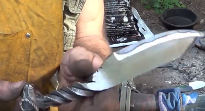 Forging_A_Ram's_Head_Railroad_Spike_Knife0a