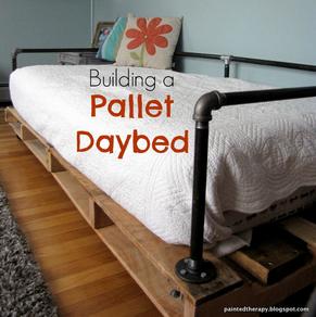 DIY_Pallet_Daybed1