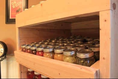 Canning_Cupboard_Made_From_Recycled_Pallets1