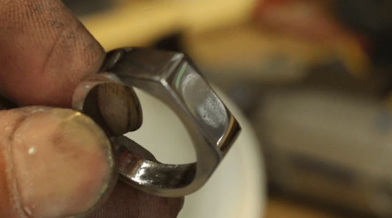 [Video] Make Your Own Ring From A Nut!