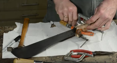 Making_a_Machete_with_No_Power_Tools0b